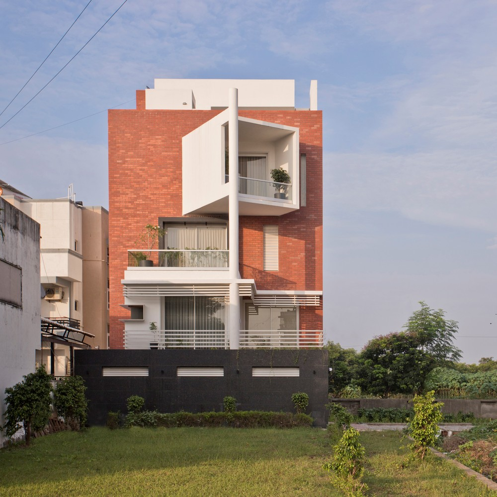 Mangalam House by JGP Consultants
