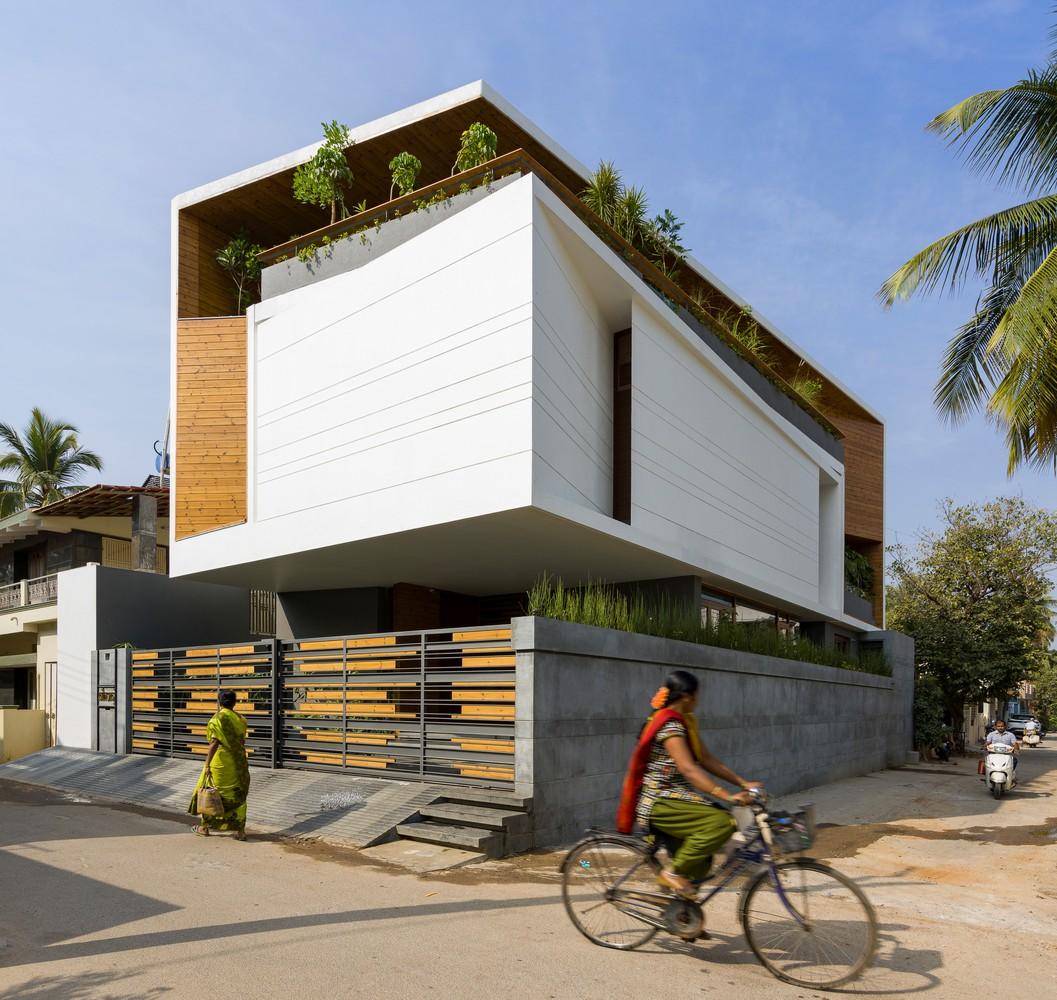 Gauribidanur Residence by Cadence Architects