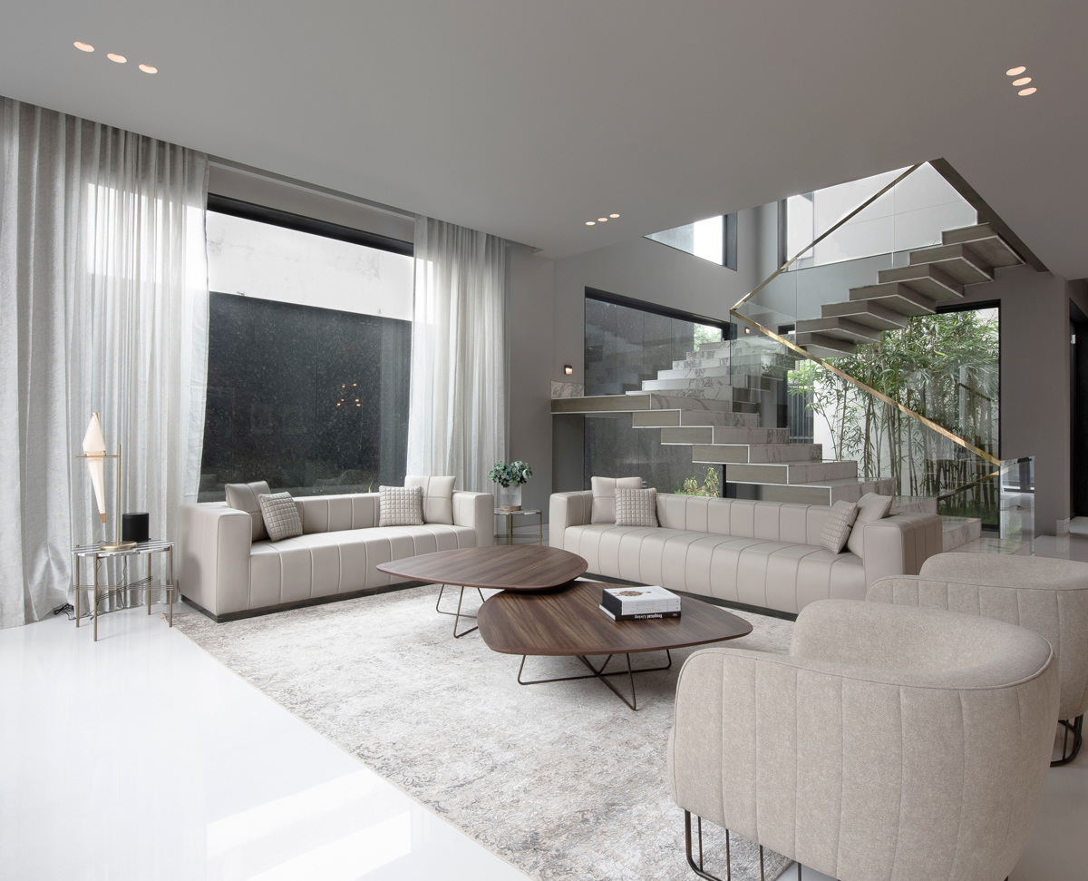 A contemporary chic residence by Essentia Environments